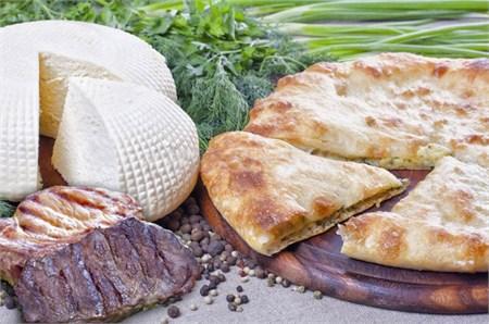 С мясом и сыром, 1000 гр. Осетинский пирог   - фото 4672