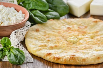 С сыром и шпинатом, 750 гр. Осетинский пирог - фото 4926