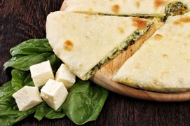 С сыром и шпинатом, 500 гр. Осетинский пирог